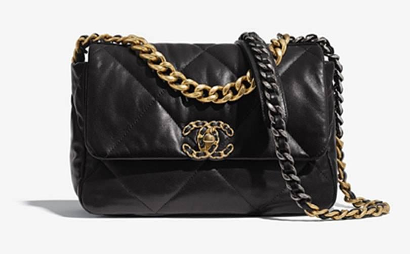 Цена самой модной сумки десятилетия составила полмиллиона рублей