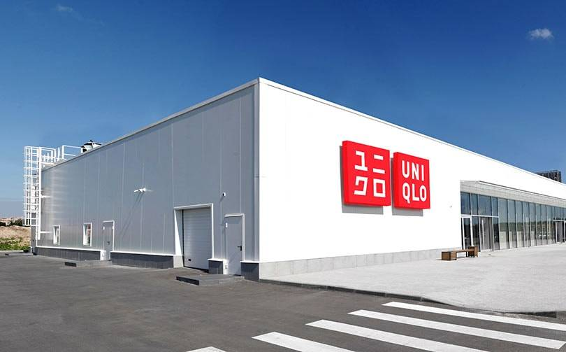 Uniqlo откроет первый в России магазин формата roadside
