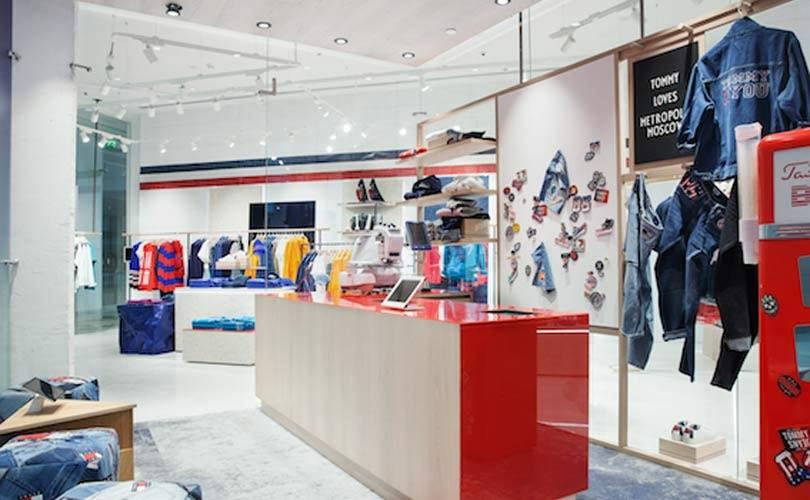 741afbbb3522 Tommy Hilfiger запустил первый магазин будущего Tommy Jeans
