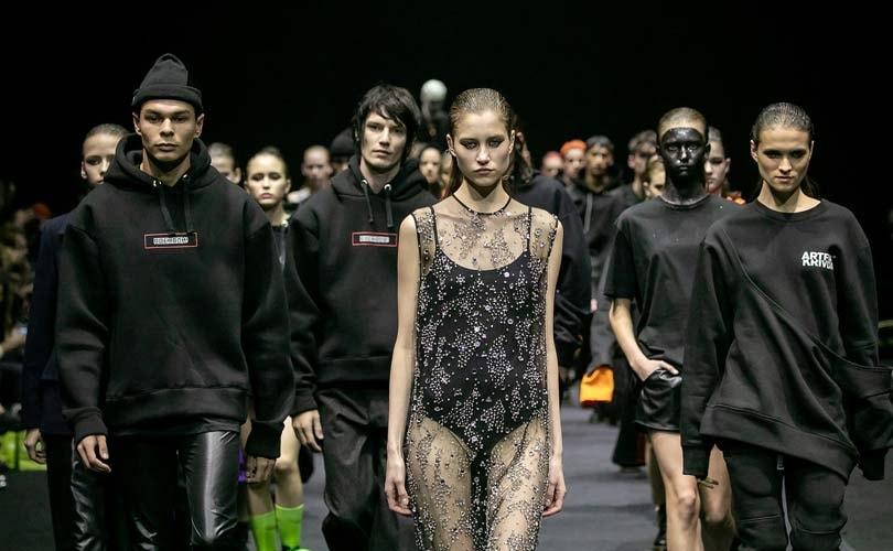 Шаляпин и Цымбалюк-Романовская закрыли Неделю моды в Москве в свадебных  нарядах dc80f82a563