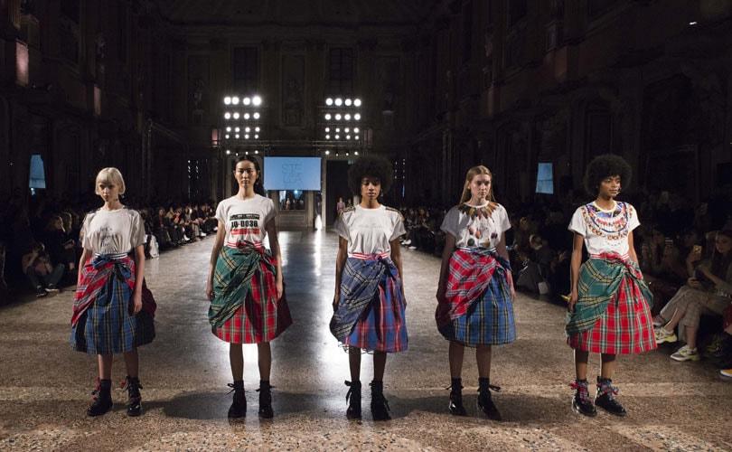 Смотреть Новый проект Pinko представлен в Милане видео