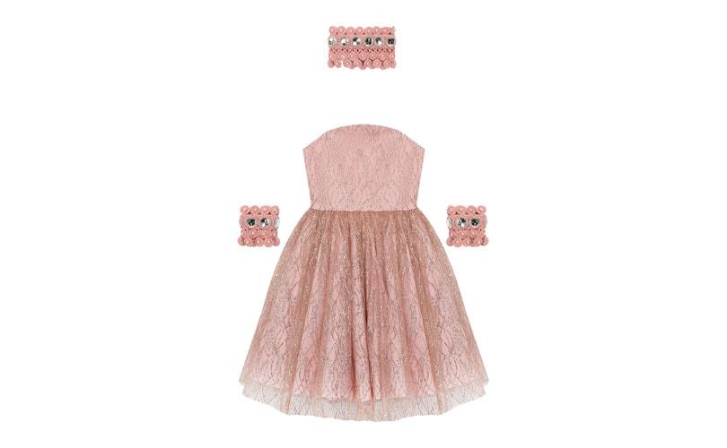 Анжелика Ревва продает детские платья стоимостью 80 тысяч рублей